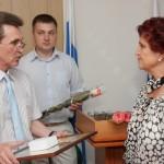 В. Румянцев поздравляет В. Кучур
