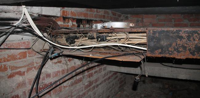кражи кабеля, подвал, кабель,