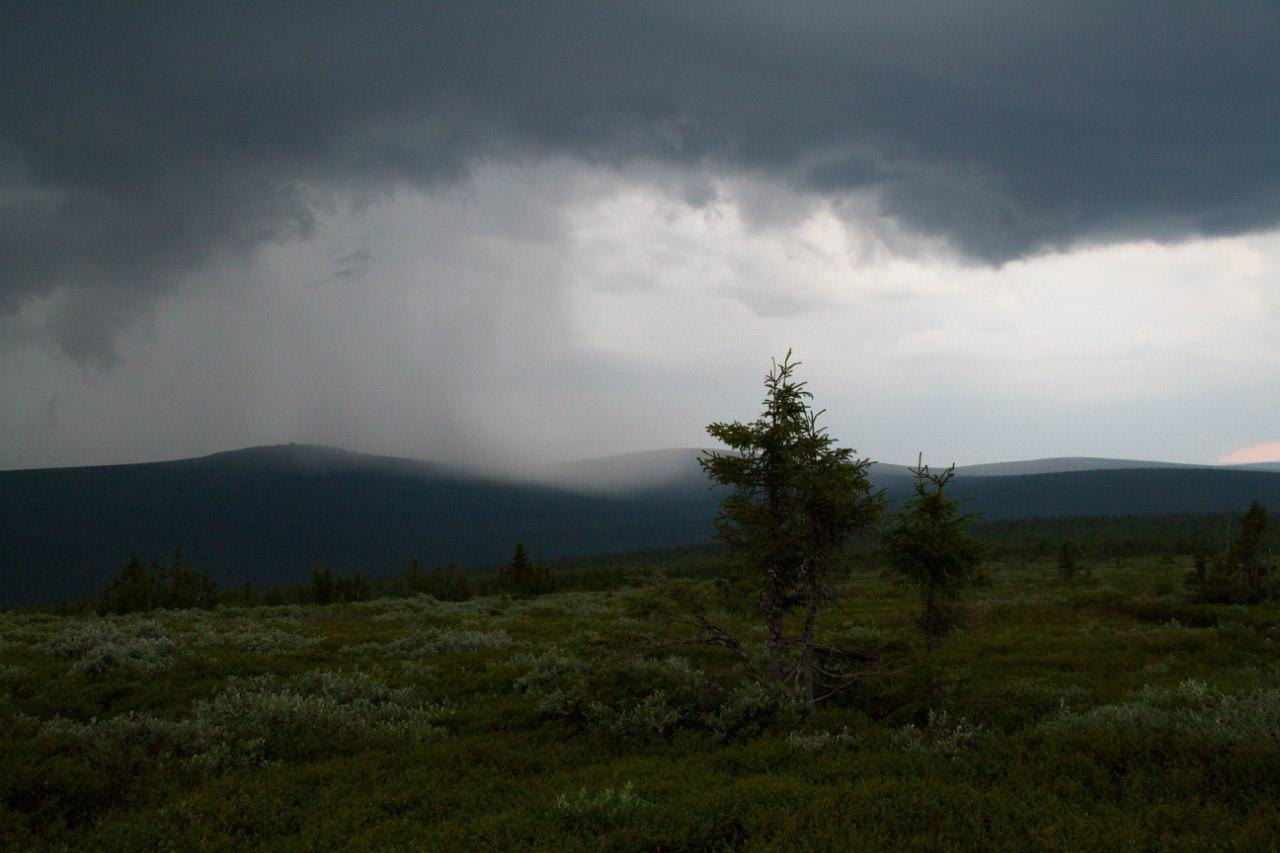 хребет Маньпупунёр