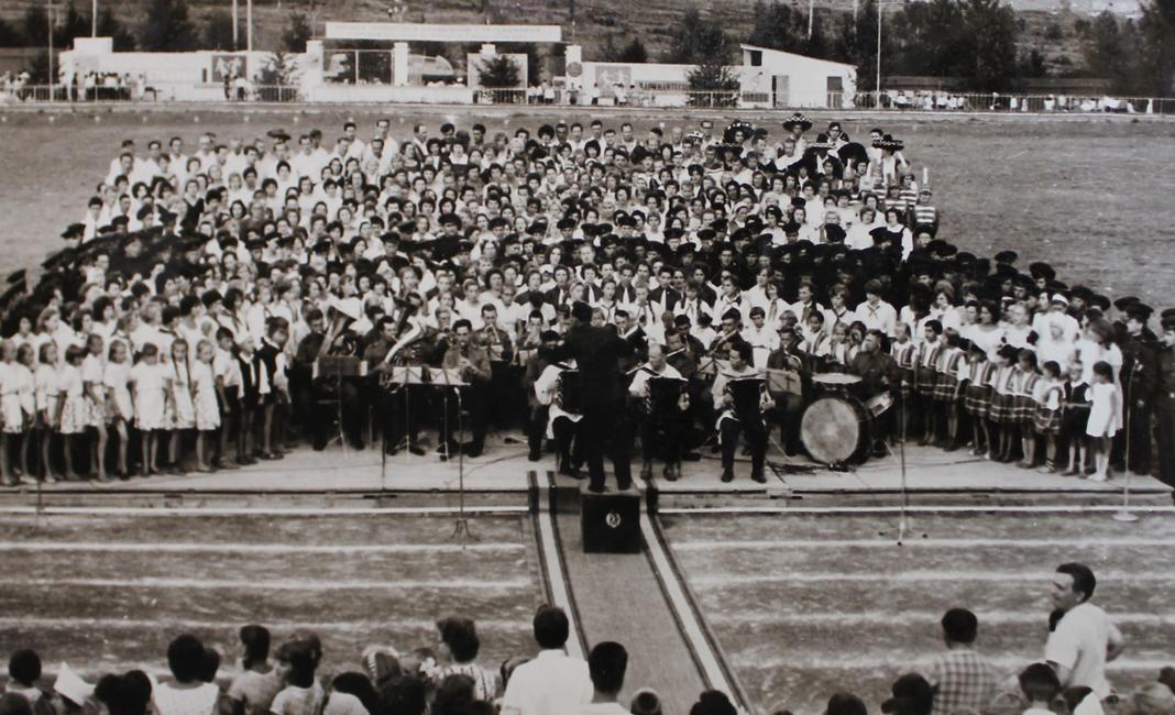 1965 год праздник Мы строим коммунизм, сводный хор