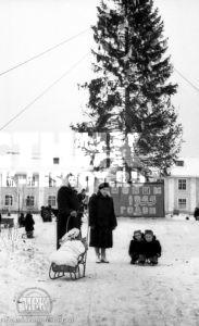 Елка в Центральном сквере, январь 1955 г.,