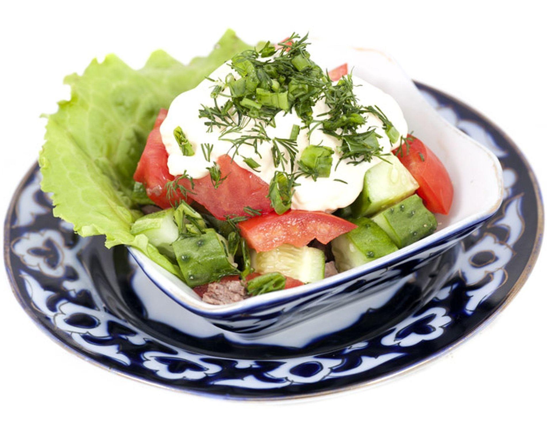 Салат бахор с копченой колбасой рецепт