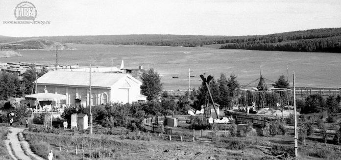 Праздник песни в Лесопарке, открытая танцплощадка, 1959 год, фото С.Е. Федоровского.