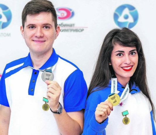 Павел Смехов и Юлия Новикова.