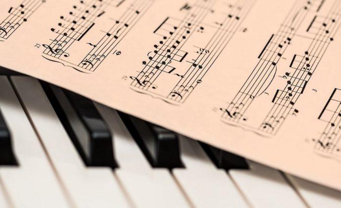 клавиши, музыка